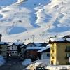 esterno casa con piste sci