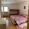 camera-letto-matrimoniale-e-letto-a-castello