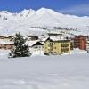 Esterno casa con piste da sci